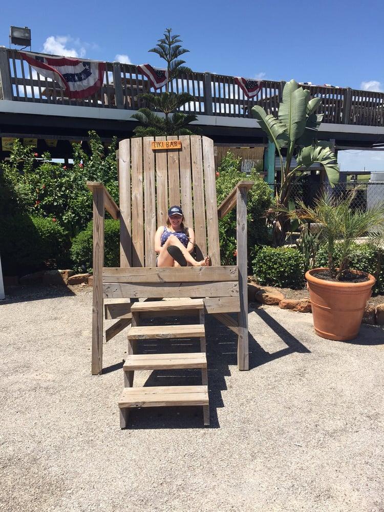 Tiki Beach Bar & Grill