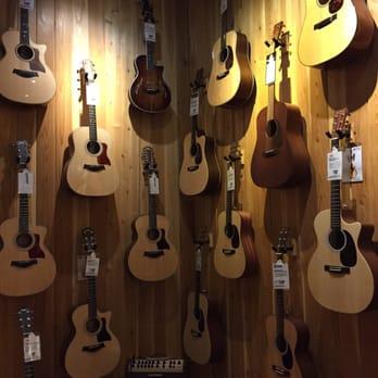 guitar center 11 reviews guitar stores 3115 oak view dr west omaha omaha ne phone. Black Bedroom Furniture Sets. Home Design Ideas