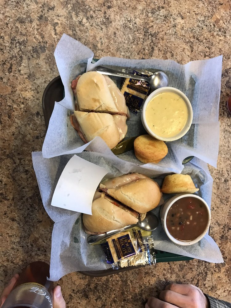 Gaunce's Deli & Cafe: 853 Bypass Rd, Winchester, KY