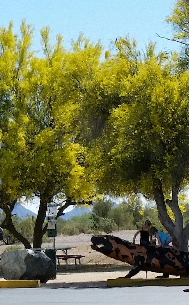 Truckstop Holt's Shell: 3006 S Butterfield Trl, Gila Bend, AZ