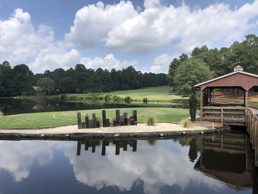 7 Lakes Golf Club: 124 Devonshire Ave E, Seven Lakes, NC