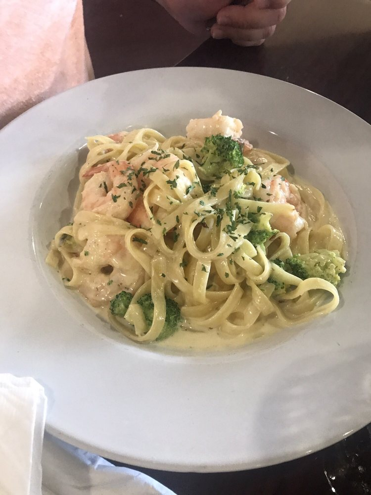 Penello's Italian Cuisine: 4217 Lafayette St, Marianna, FL