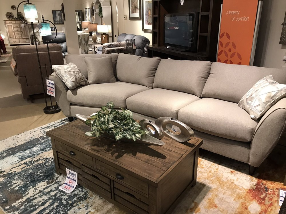 Dewey Furniture: 4483 Liberty Ave, Vermilion, OH
