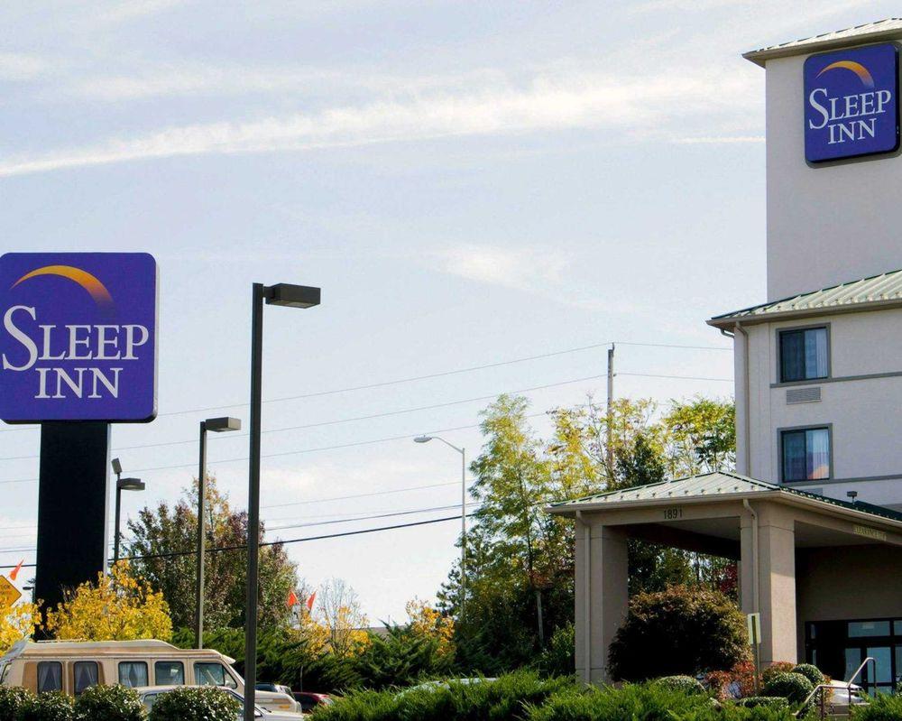 Sleep Inn & Suites Harrisonburg Near University: 1891 Evelyn Byrd Ave, Harrisonburg, VA