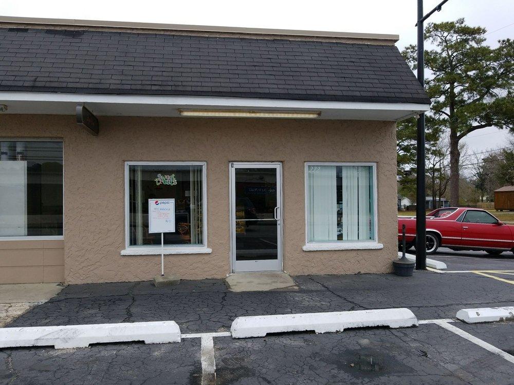 Deja Food: 222 Chatham St, Newport, NC