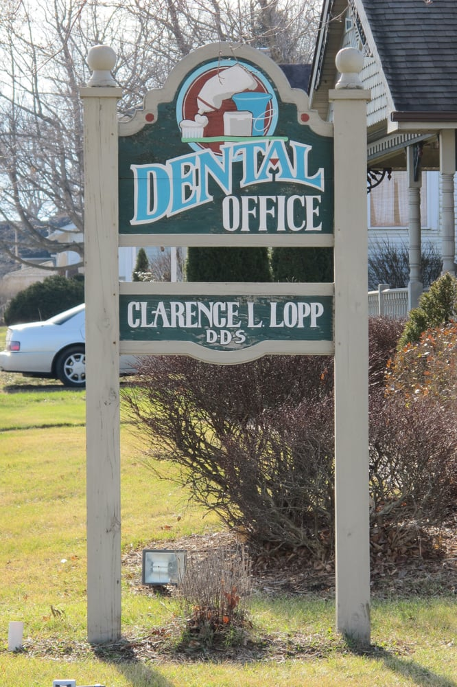 Lopp Clarence L DDS: 803 S Prairie St, Brookston, IN