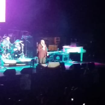 The Forum - Ruben Studdard from section 130 - Inglewood ...