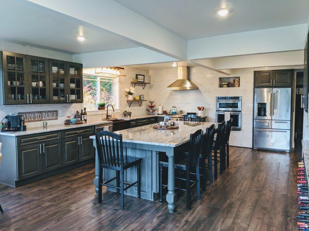 A1 Cabinets & Granite