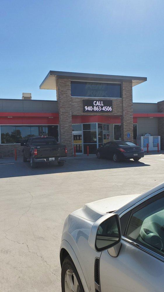 Kent Kwik: 105 N 1st St, Haskell, TX