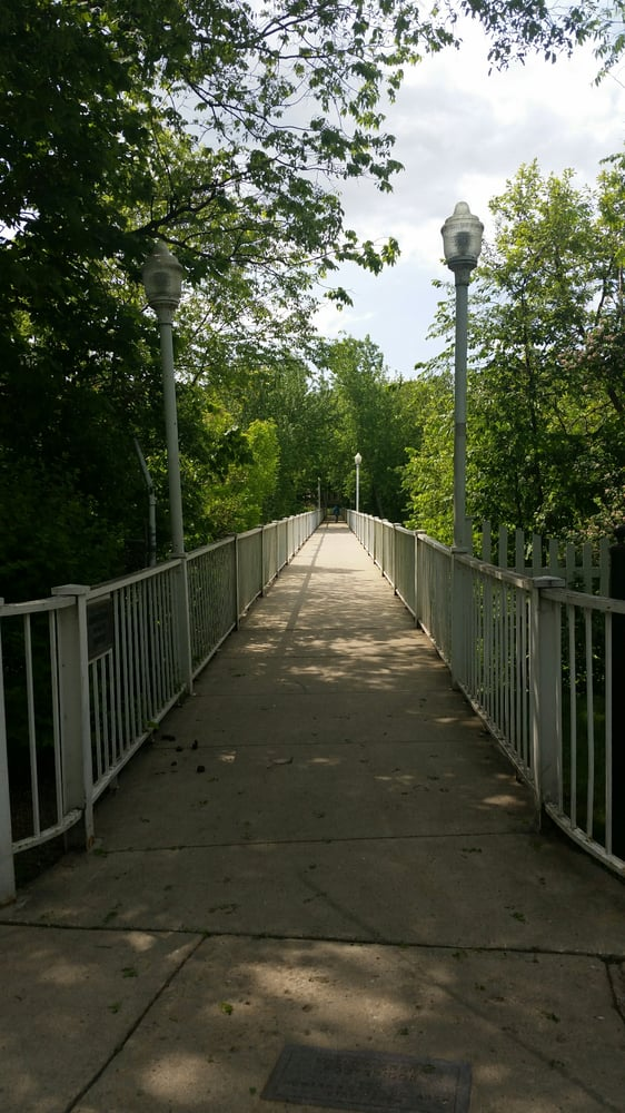 Meredith Willson/ Music Man Footbridge: 2ND St SE, Mason City, IA