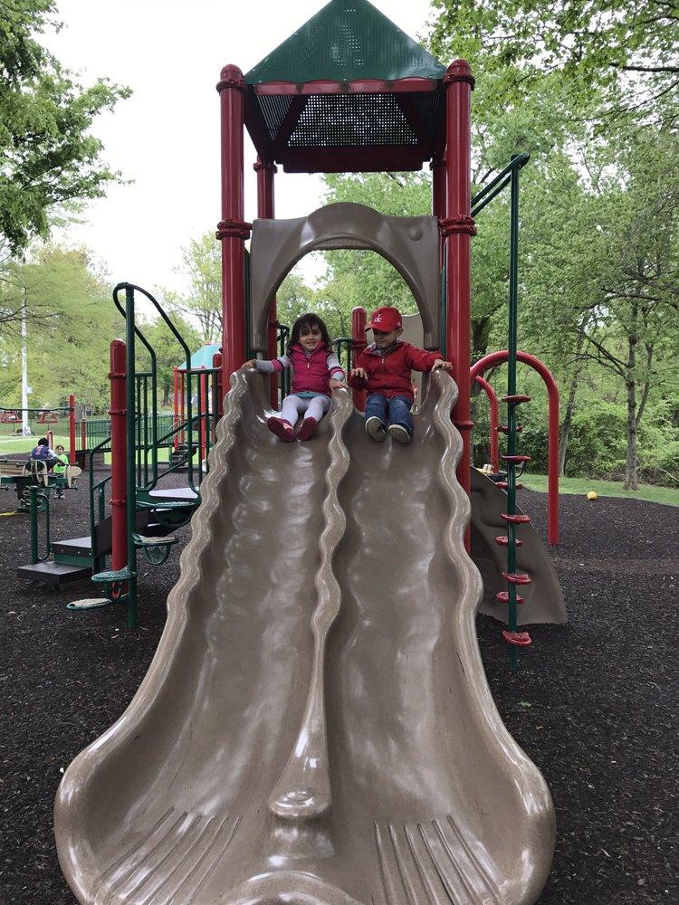 Woodley Gardens Park: 850 Nelson St, Rockville, MD