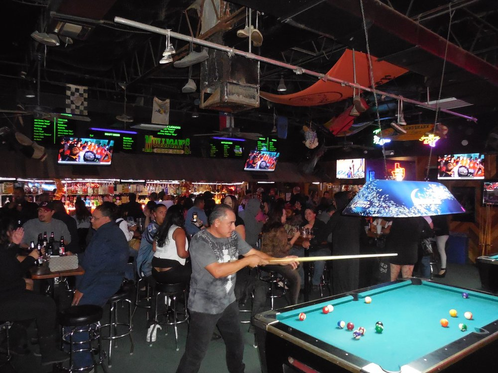 Mulligan's Shot Bar: 1815 Trawood Dr, El Paso, TX
