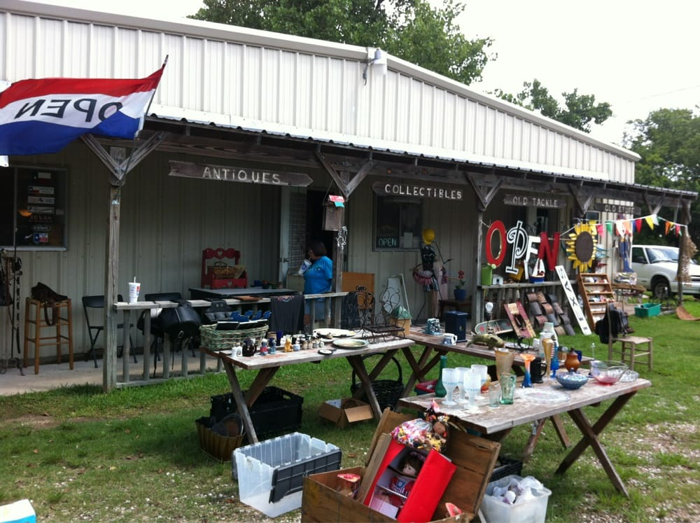 Junk & Disorderly: 226 Grand Ave, Bacliff, TX