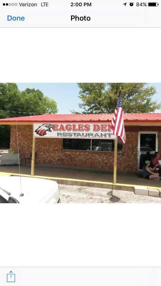 Eagles Den: 1007 N Dickinson Dr, Rusk, TX