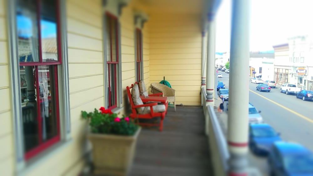 Hotel Ivanhoe: 315 Main St, Ferndale, CA