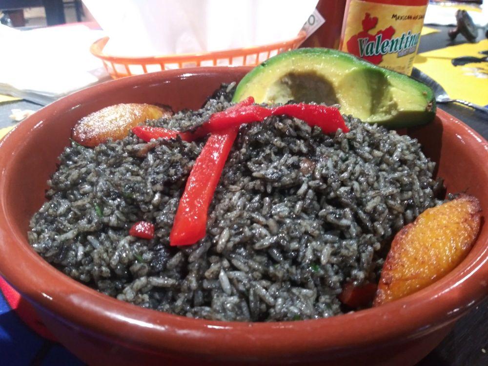 Mi Bello Ecuador restaurante: 4820 N Armenia Ave, Tampa, FL