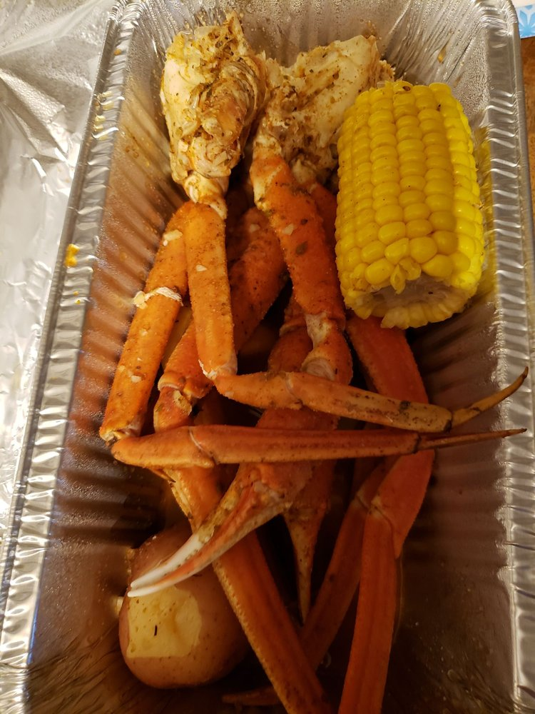 Food from Lucky House & Juicy Crabs - Springfield