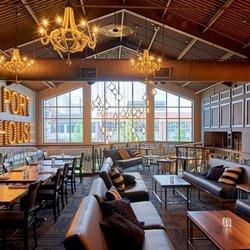 The Port House Social Bar Kitchen Mississauga On