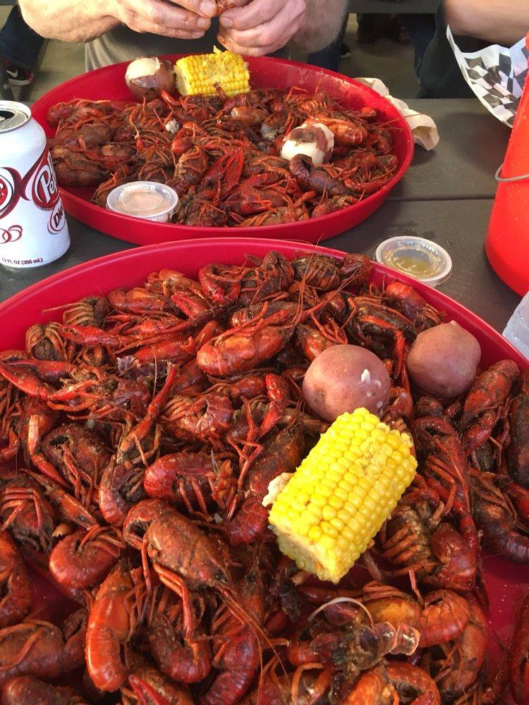 Crawfishin': 1373 US-96, Lumberton, TX