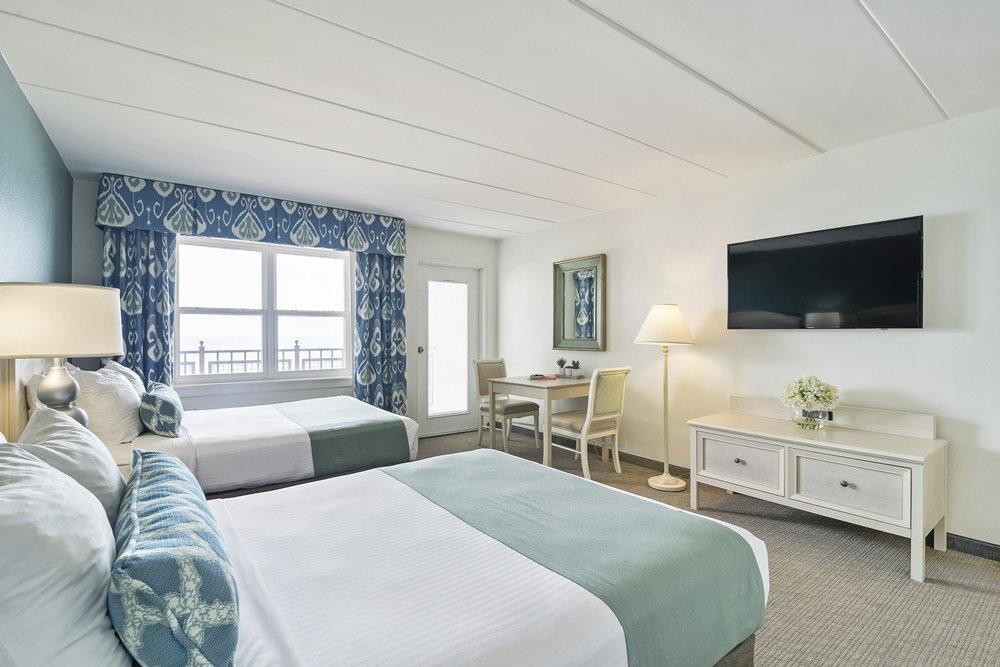 Dunes Manor Hotel, Court, Suites