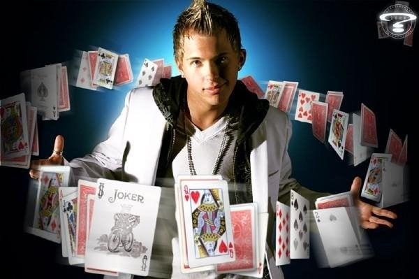 Kevin Nicholas Magician