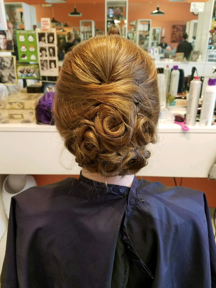 Crew cuts 17 photos hair salons 581 g a r hwy for 1192 beauty salon swansea