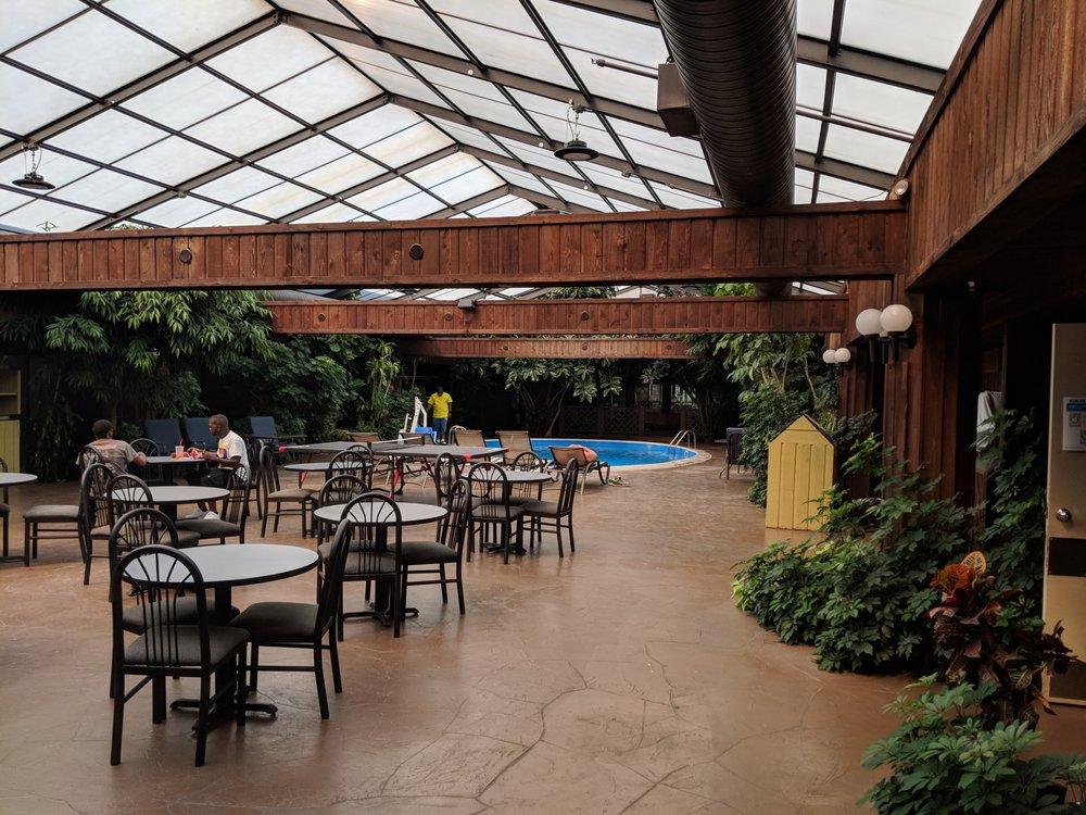 Wingfield Inn & Suites: 1043 Executive Dr, Elizabethtown, KY