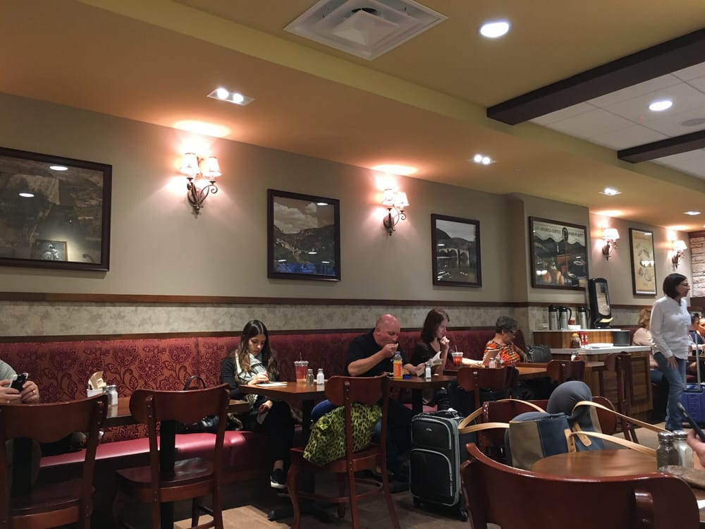 Photo of La Madeleine Country French Bakery - Dallas, TX, United States.  Interior