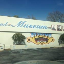 Alabama Band Fan Club - Museums - 101 Glenn Blvd SW, Fort Payne, AL