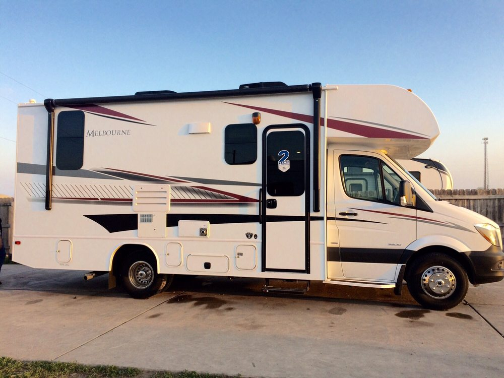 Seguin RV - 13 Photos & 21 Reviews - RV Rental - 4040 W Ih