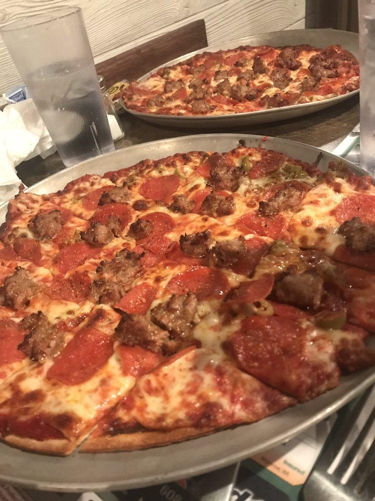 Bullet's Restaurant: 1301 15th Ave, Monroe, WI