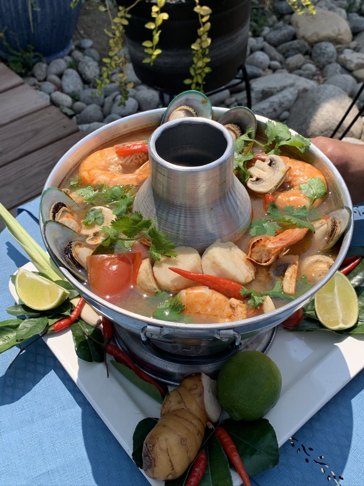 Chang Noi Thai Cuisine: 18366 Lincoln Ave, Parker, CO
