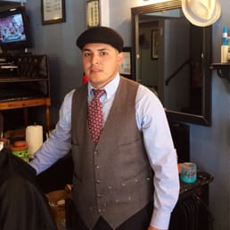 Barber Wilson Usa : David, one of their newer barbers. Nice guy and does a great job.