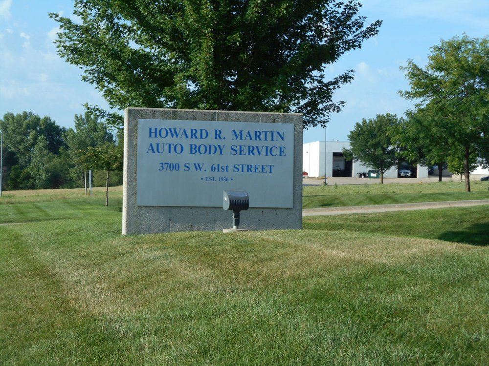 Howard R Martin Auto Body Service: 3700 SW 61st St, Des Moines, IA