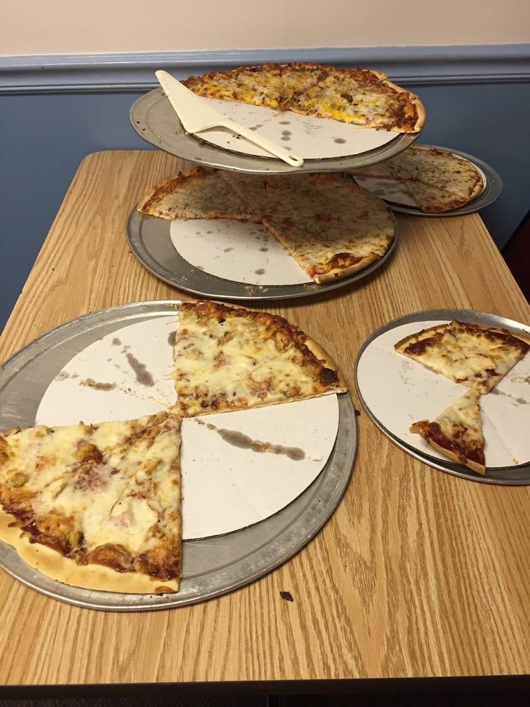 Carl's Pizza: 117 W Cumberland St, Greenup, IL