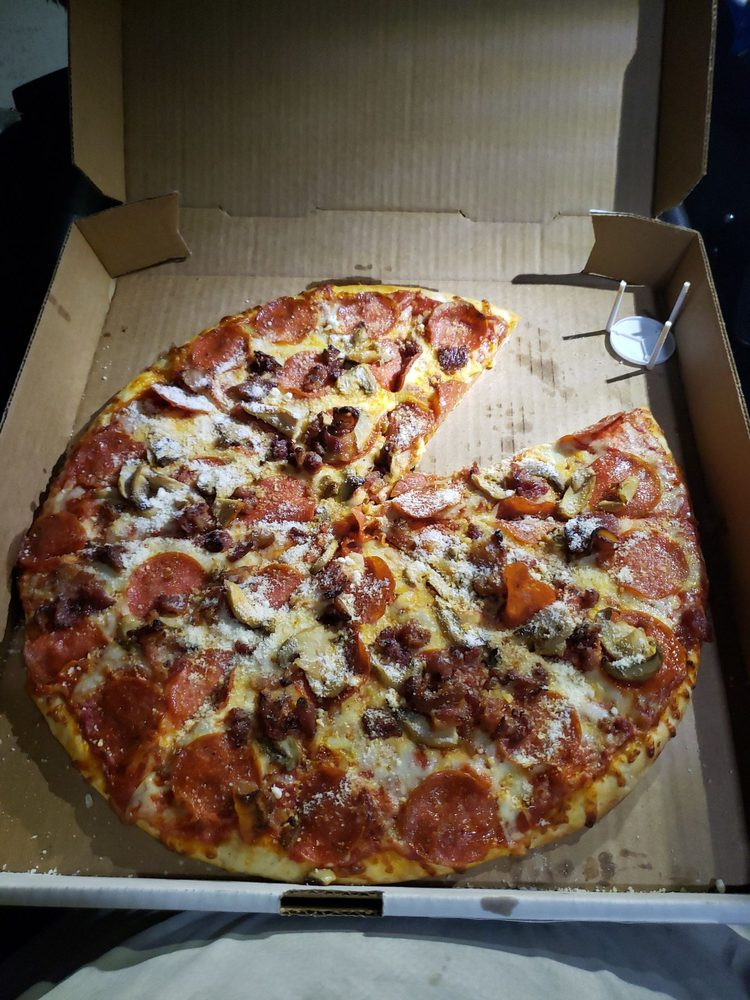 Four Star Pizza: 902 Liberty St, Franklin, PA