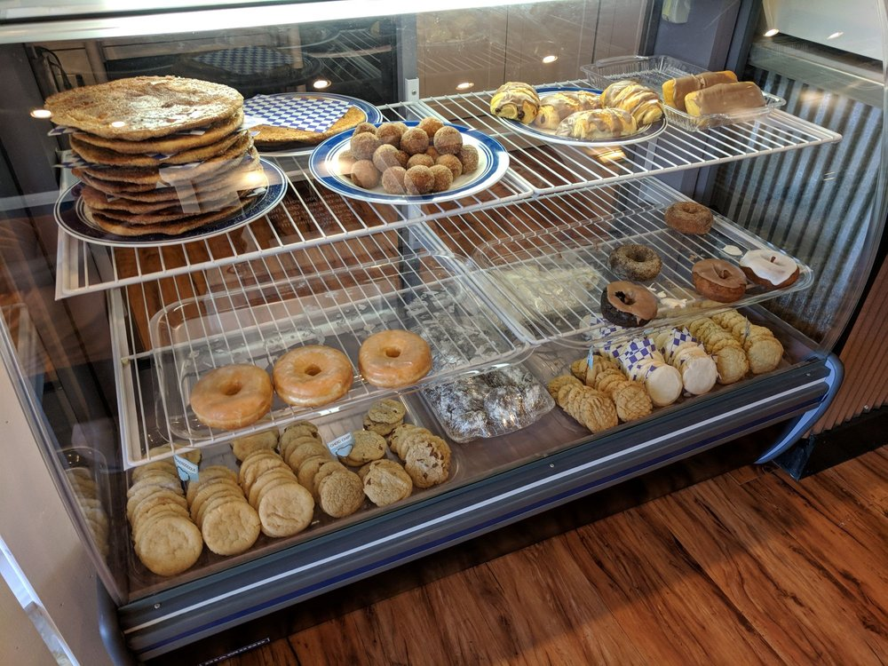 Brian's Bakery & Eatery: 5622 Johnson Dr, Mission, KS