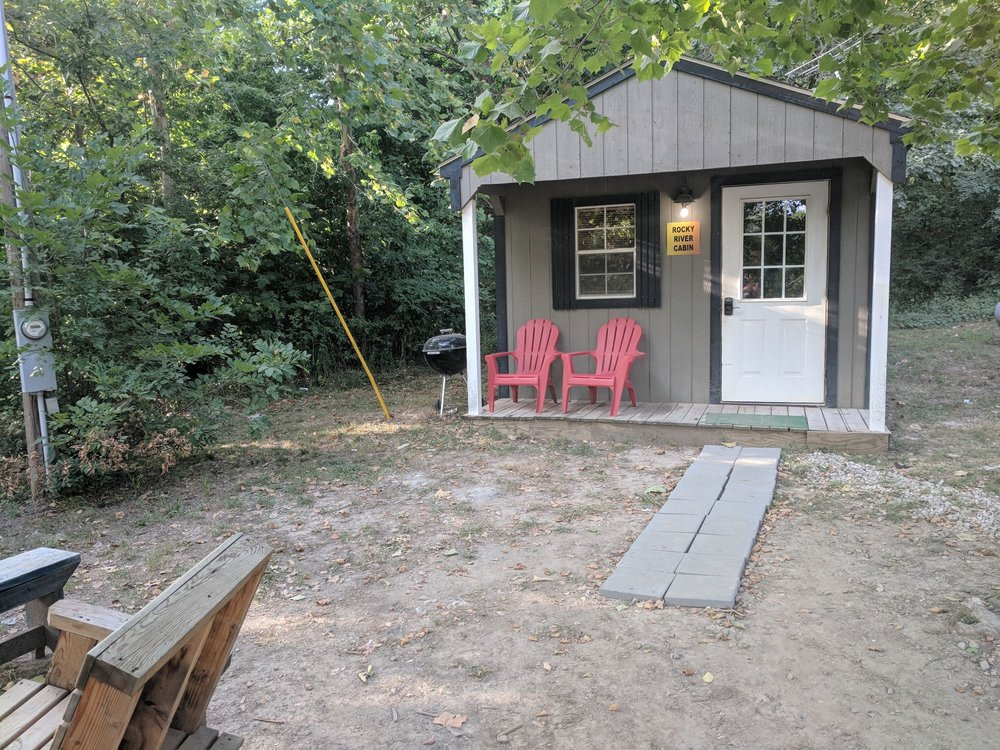 Riverfront Campground & Canoe: 13 Riverfront Trl, Lebanon, MO