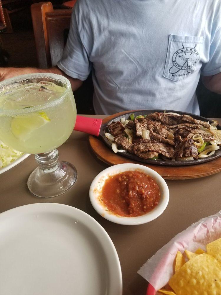 El Charro Mexican Restaurant Bar & Grill: 1502 Corsicana Hwy, Hillsboro, TX