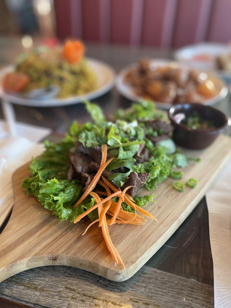 Thai E-San Cuisine: 4300 Green River Rd, Corona, CA