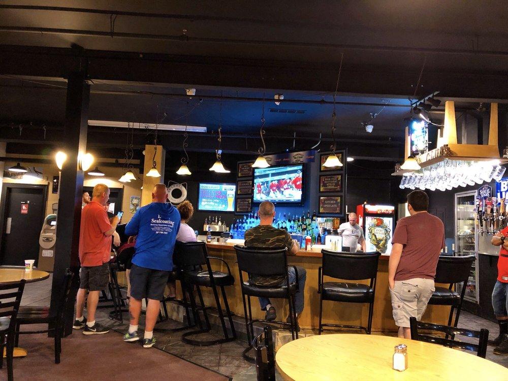Schemengees Bar & Grille