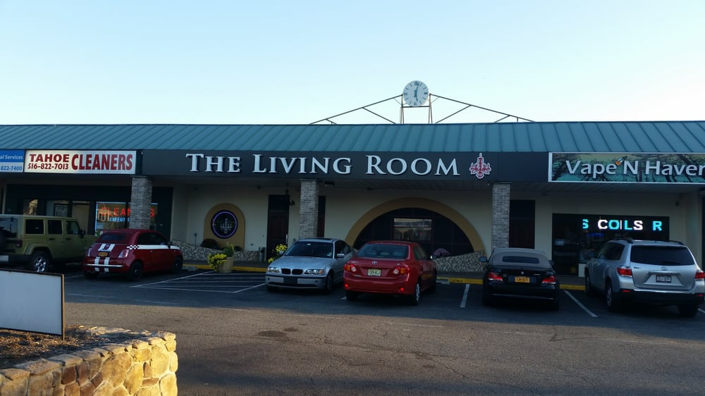 The Living Room Clubs 432 N Wantagh Ave Bethpage Ny Verenigde Staten Telefoonnummer Yelp
