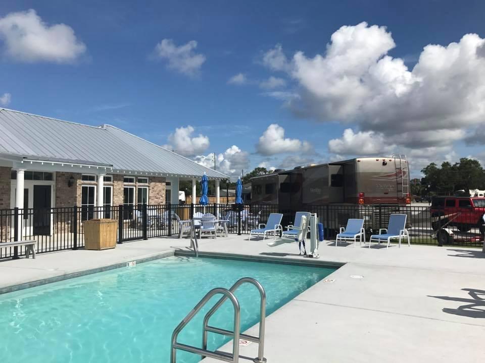 Gulf Beach RV Resort: 2428 Beach Blvd, Biloxi, MS