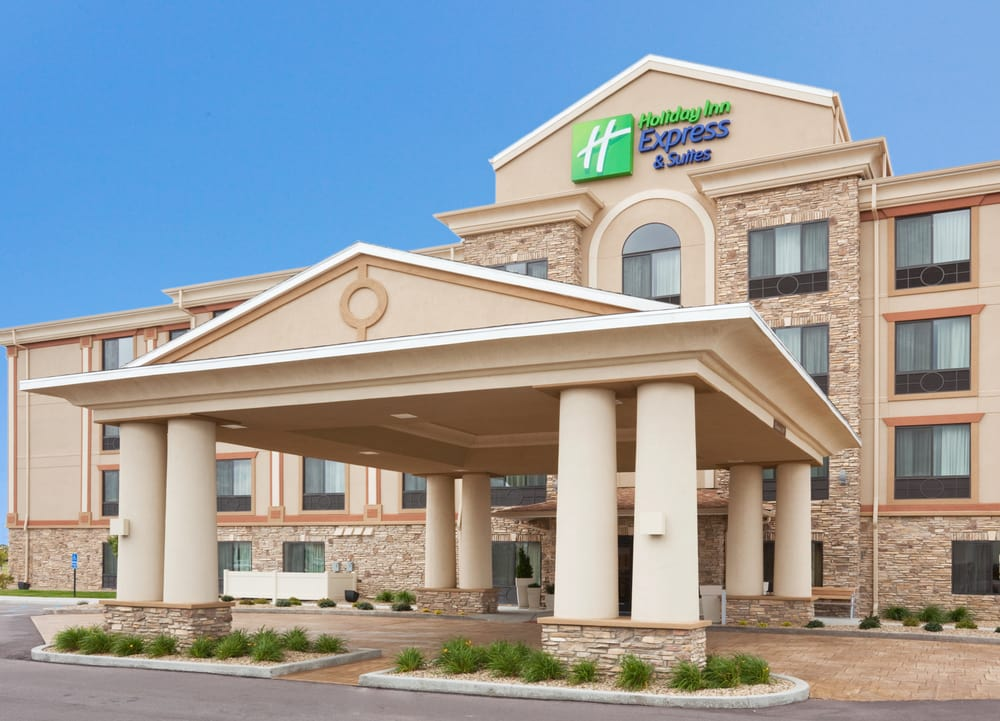 Holiday Inn Express & Suites Mitchell: 810 E Spruce St, Mitchell, SD
