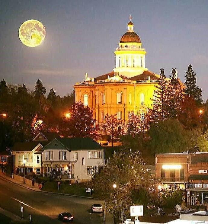 Julie Gilmore  - Coldwell Banker Residential Brokerage: 500 Auburn Folsom Rd, Auburn, CA