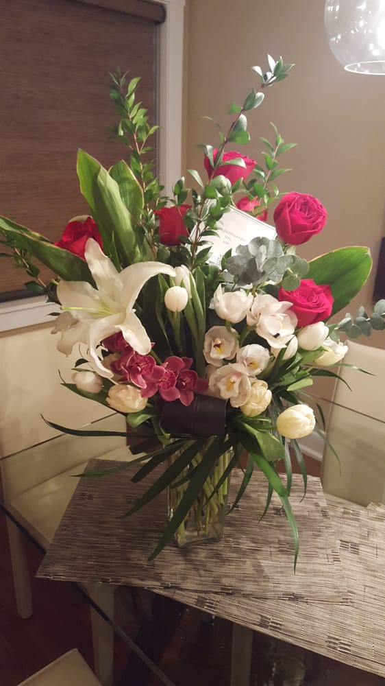 Swansons Blossom Shop: 814 N Waukegan Rd, Deerfield, IL