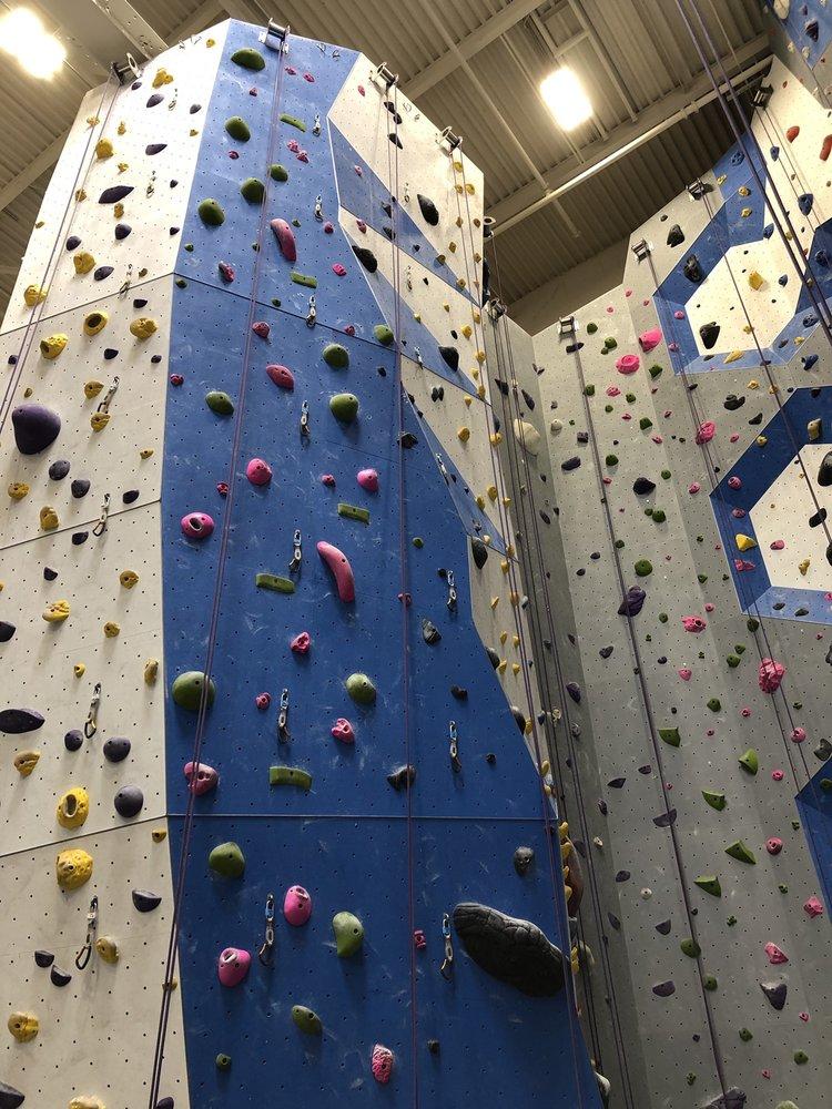Earth Treks Climbing Centers Columbia