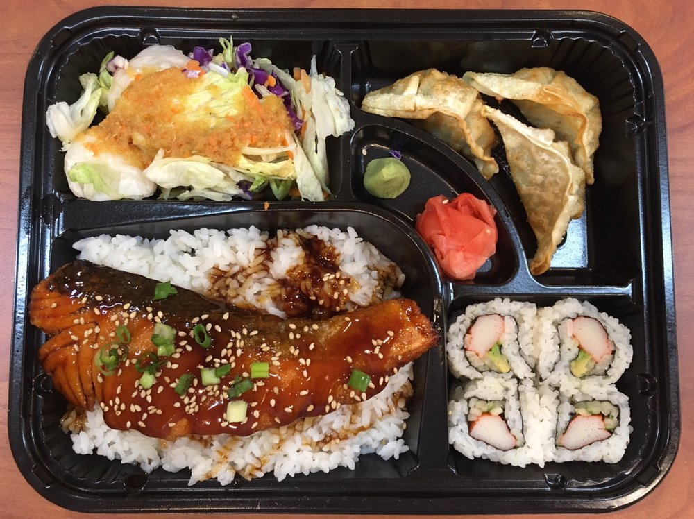 Hako Sushi: 255 Middle Country Rd, Selden, NY