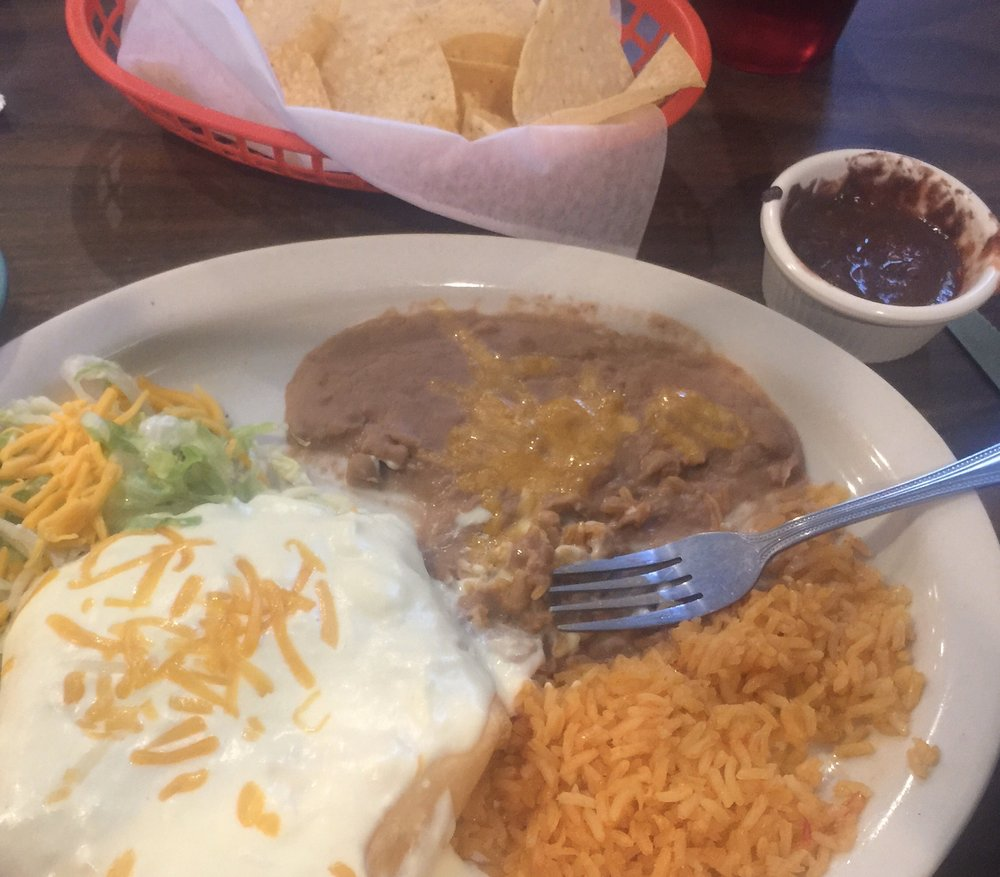Enlaces Restaurant: 107 N Houston St, Edgewood, TX