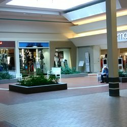 Security square mall the hook up